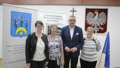 Photo of Dziennikarz i satyryk Artur Andrus spotkał się z mieszkańcami Żuromina