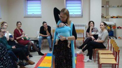 Photo of W Żurominie mamy i kobiety ciężarne uczyły się, jak nosić dzieci