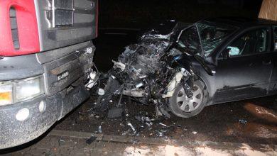 Photo of Czołowe zderzenie z ciężarówką. Pasażerka zmarła w szpitalu