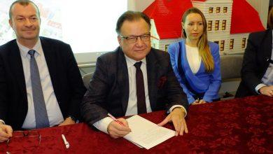 Photo of Akt notarialny podpisany. Pałac Zamoyskich przeszedł w ręce województwa