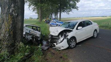 Photo of Zderzenie dwóch osobówek w Płośnicy. Trzy osoby w szpitalu