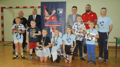 Photo of Trener kadry Polski tenisa stołowego spotkał się z młodymi sportowcami z Jeżewa