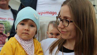 Photo of 2-letnia Lenka ma coraz mniej czasu by otrzymać najdroższy lek świata