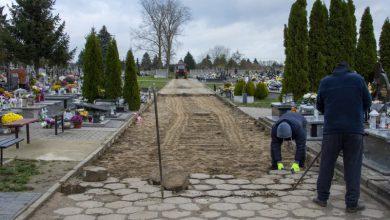 Photo of Remont głównej alei na cmentarzu w Ciechanowie