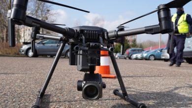 Photo of Policyjny dron ściga piratów drogowych. Zobacz go w akcji